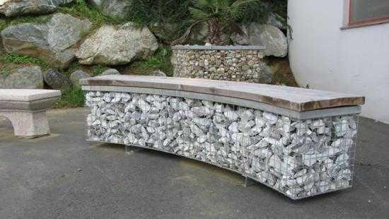 Mobiliario urbano con piedra decorativa banco gaviones for Piedra decorativa para jardin