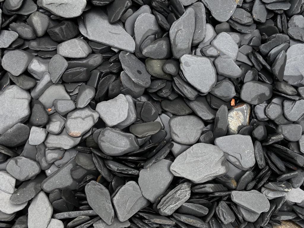 Slate pebbles Spain Quarries