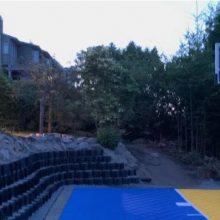 Sports court with gravel stabiliser