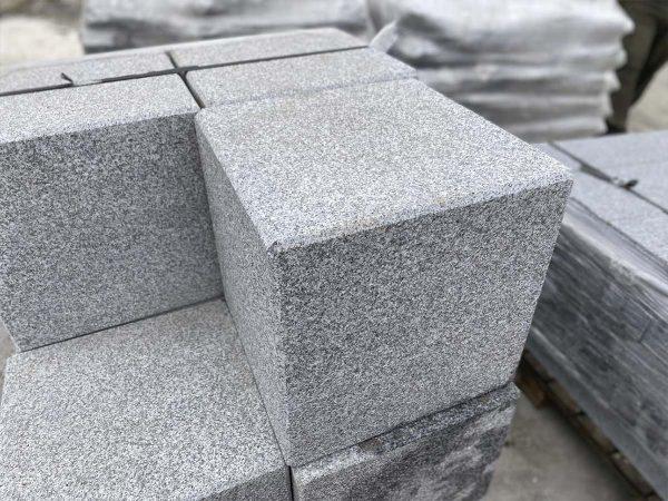 Granite garden cubes