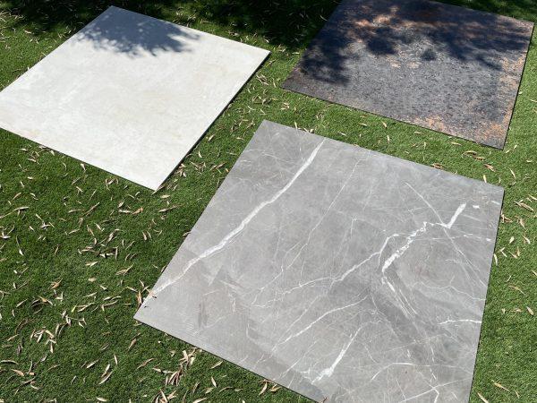 Losas XL de gres porcelánico sobre césped
