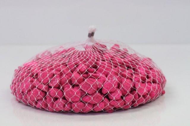 galet rose sur filet