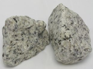 White decorative crushed granite with shiny black spots